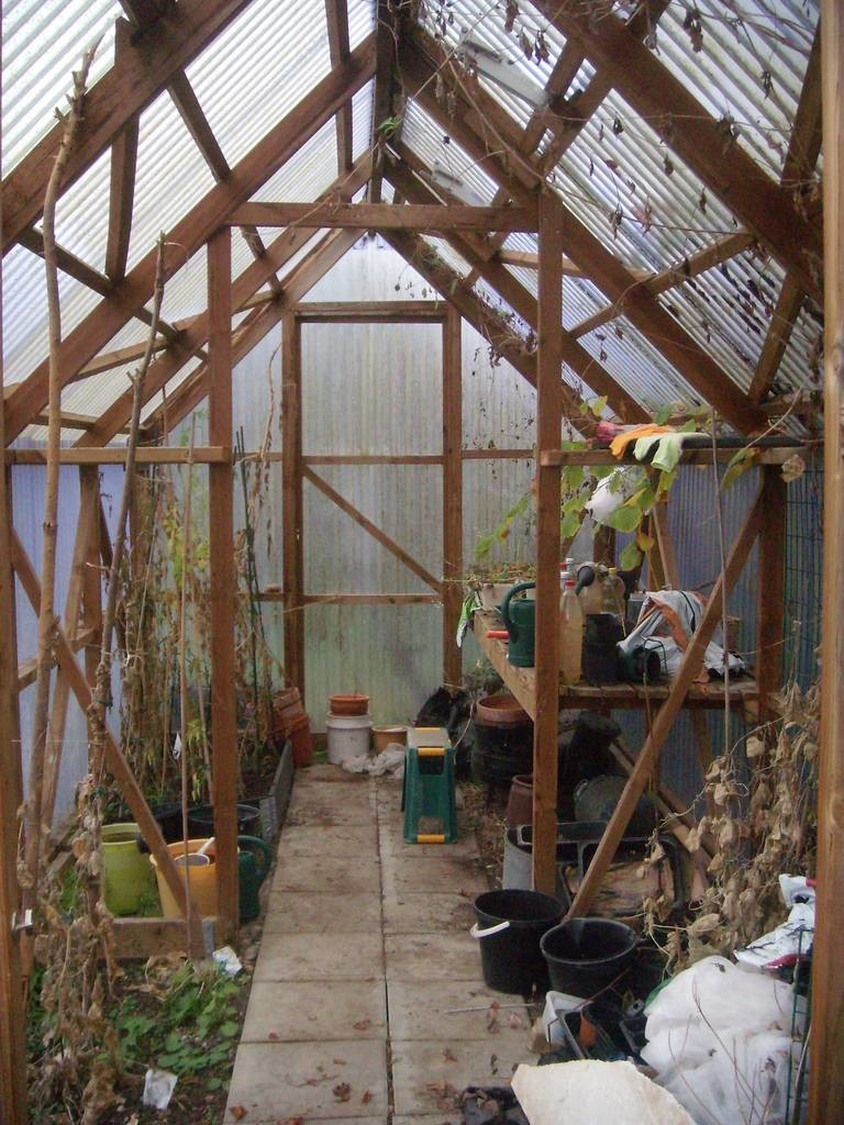 korrugerad plast växthus