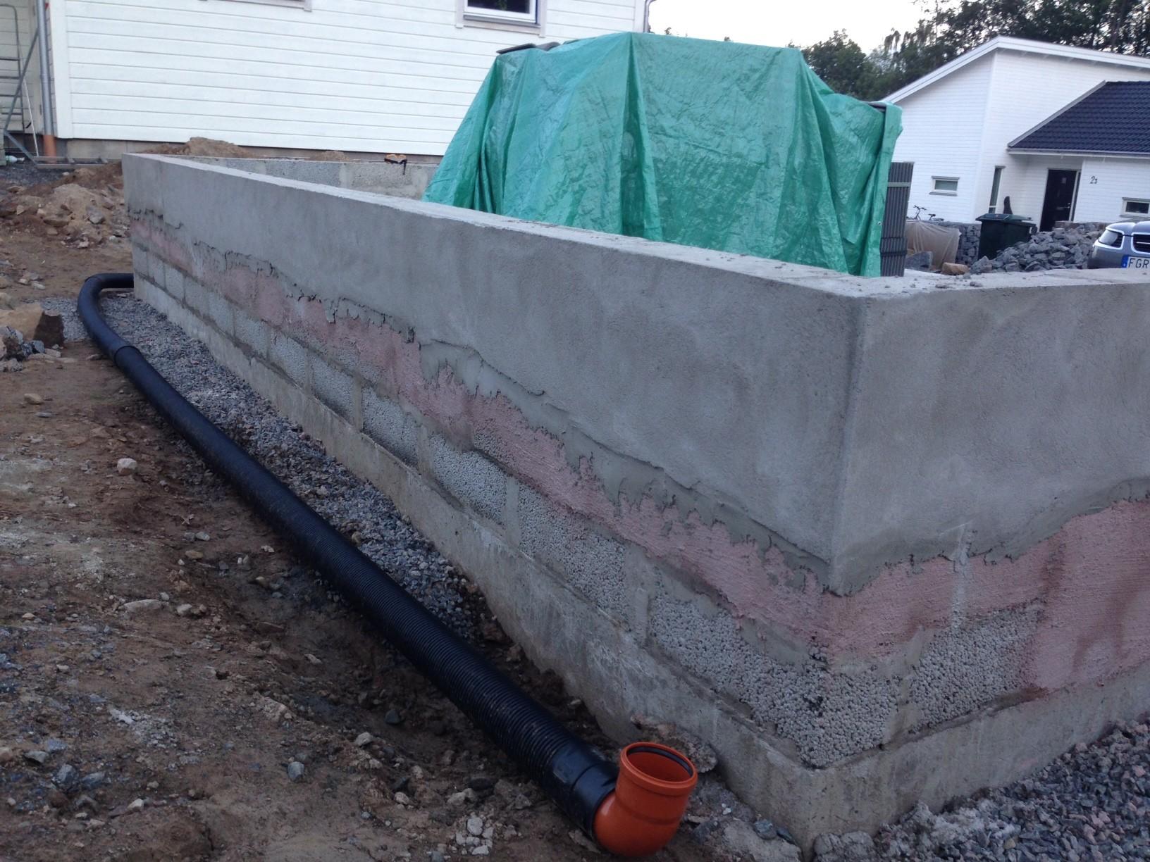hur man putsar en mur